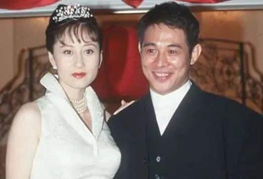 迷倒何鸿燊,李连杰对她死心塌地,利智59岁生日曝光与女儿关系  第9张