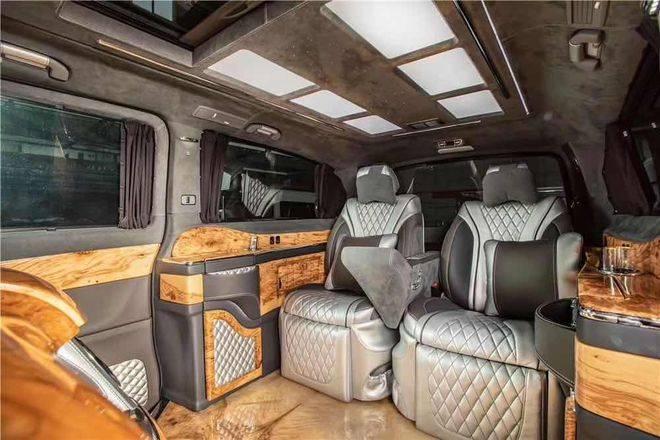 林肯领袖1号加长版5.98米实惠商务SUV