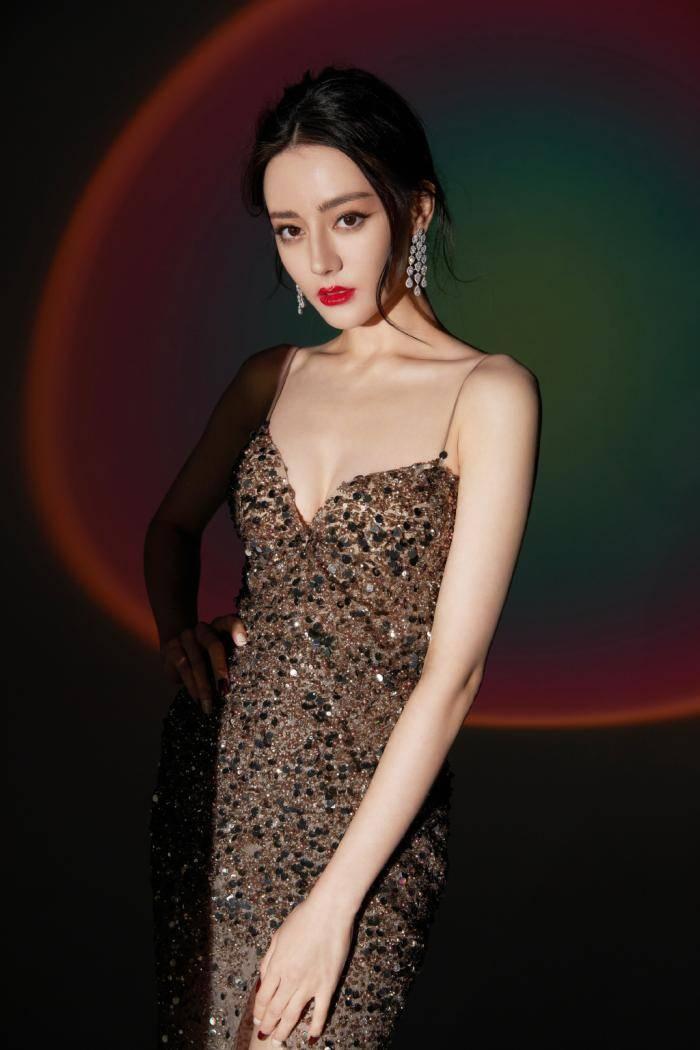 明星的胸排行榜图片_娱乐圈十大假胸女星排行榜(图)