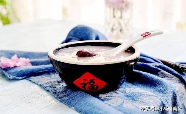 鲜美营养粥的新吃法,熬好之后再倒入豆浆食用,香气扑鼻