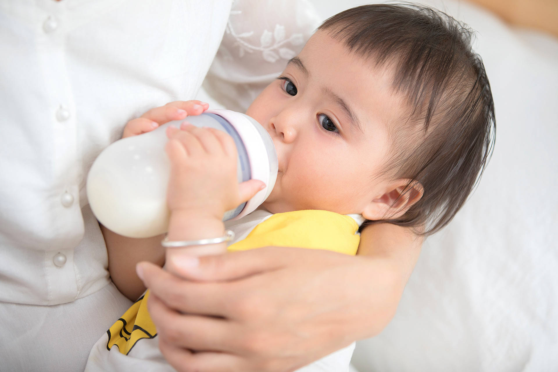 宝宝百天身体变化大,掌握四个养育要点,让孩子长得快少生病  第3张
