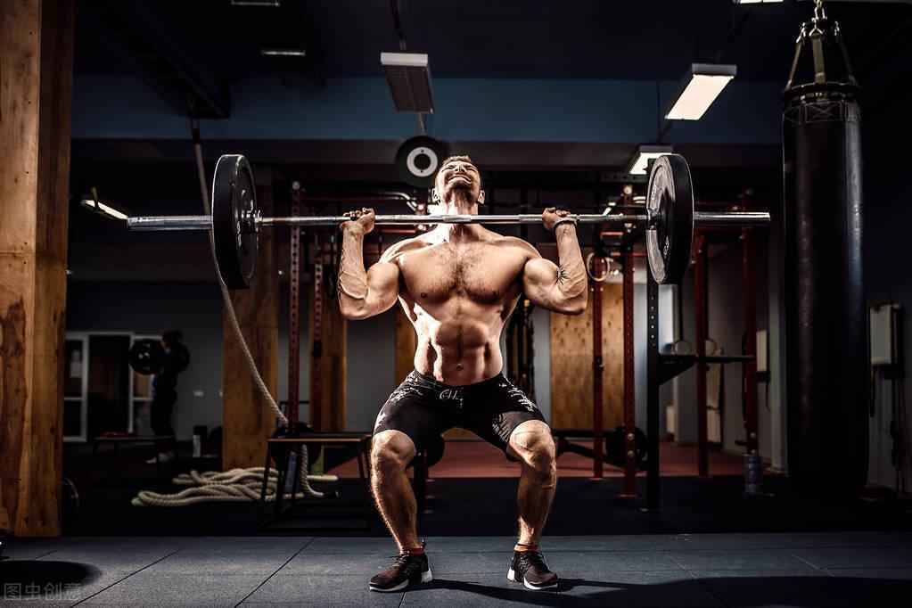 进行重量训练时,应该从哪些动作入手?如何提升增肌效率?