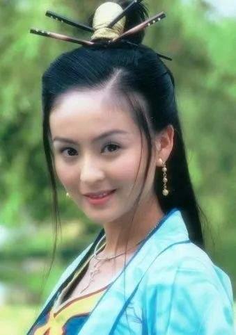 戴娇倩40岁肤白貌美气质佳,女儿继承高颜值,富豪老公痴心相伴  第13张