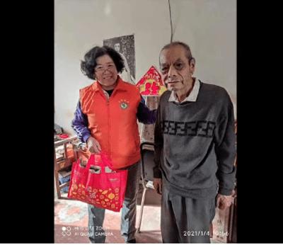 """津城寒潮来袭""""敢冻""""的志愿者让人感动"""