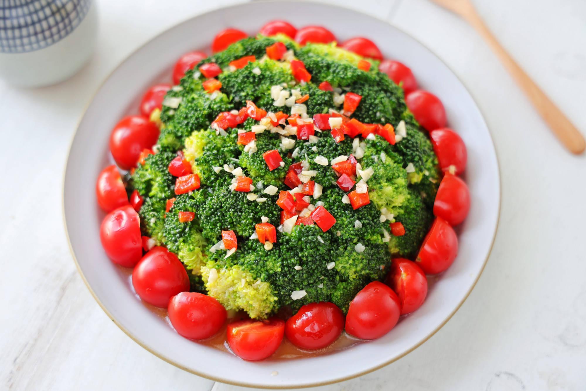 原味西兰花也可以这样吃。值高喜庆,做法简单。中国新年宴会会这样做