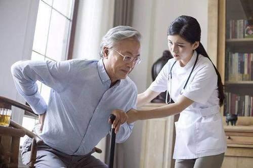 我国腰痛人数接近2亿,知道诱因学会3个妙招,腰痛程度越来越小