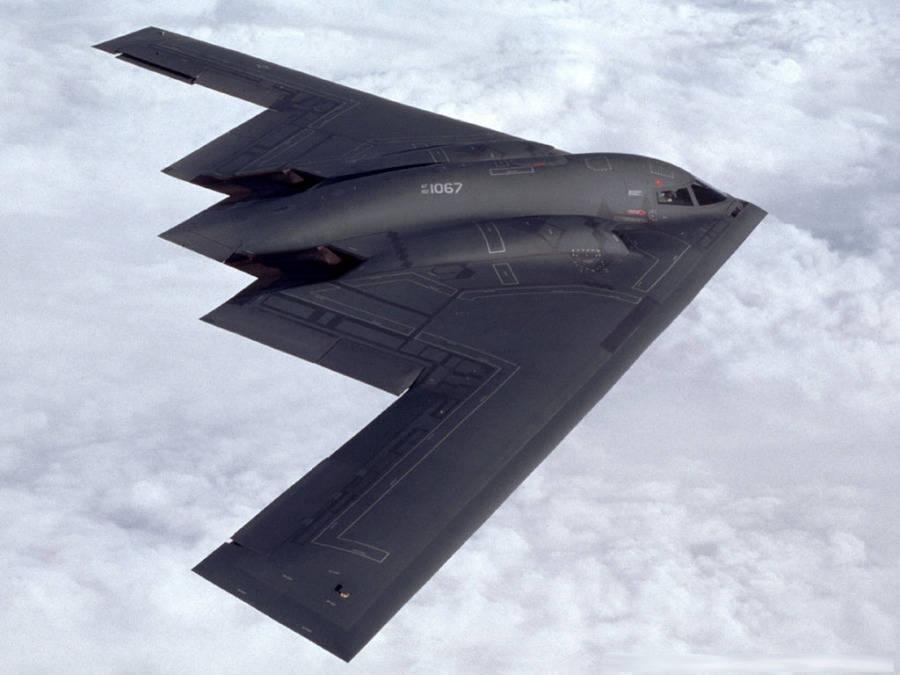 新型隐轰马上要首飞,战斗力远超B2,俄军专家:至少领先全球30年