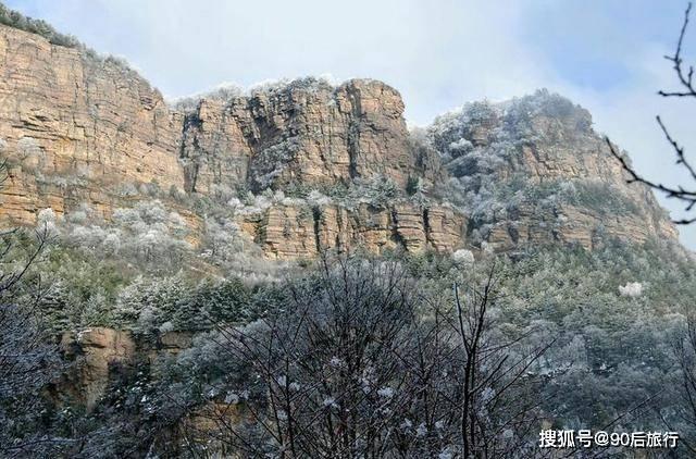 华北地区仅存的原始森林,面积达24800公顷,冬天还可以欣赏雾凇  第2张