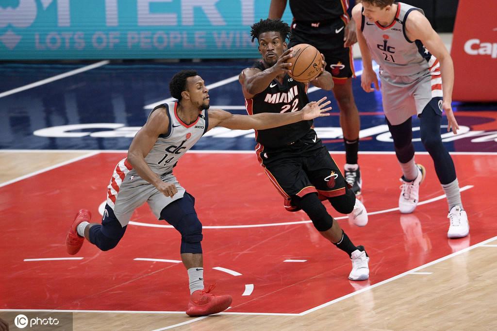 NBA新赛季常规赛继续进行,结果热火以128-124