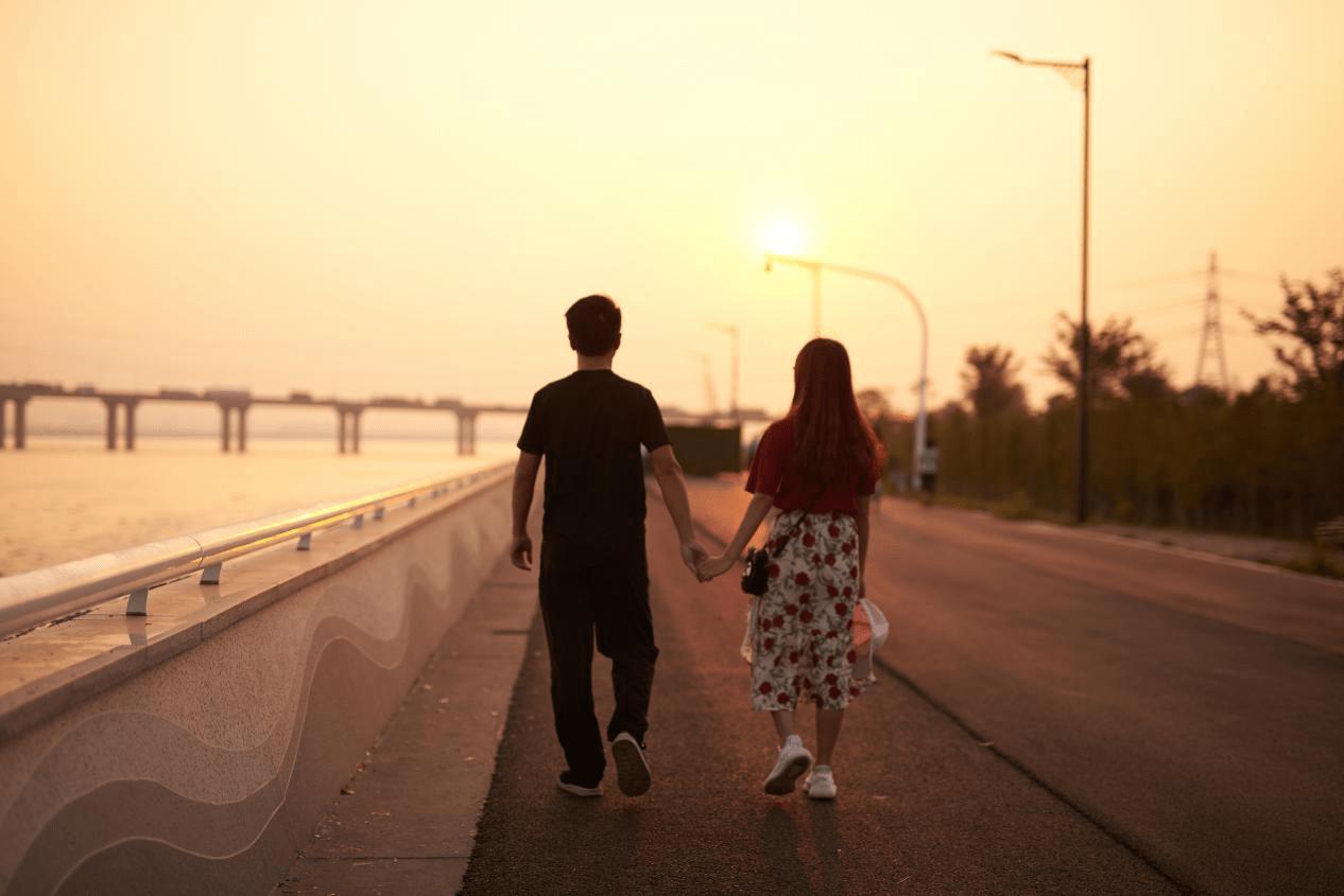 世纪佳缘的恋爱认知解读男生向左 女生向右
