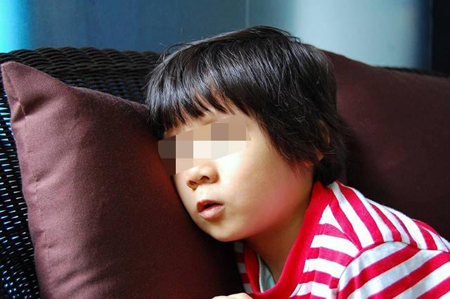"""7岁孩子体重堪比成年人,睡觉呼噜震天响,请家长别再""""劝饭""""了  第4张"""