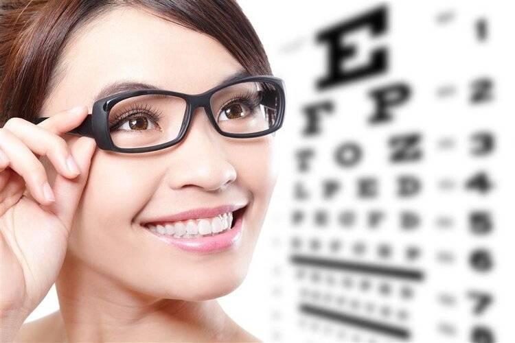 10年前用激光治疗近视的人后悔了吗?网友说了他说的话