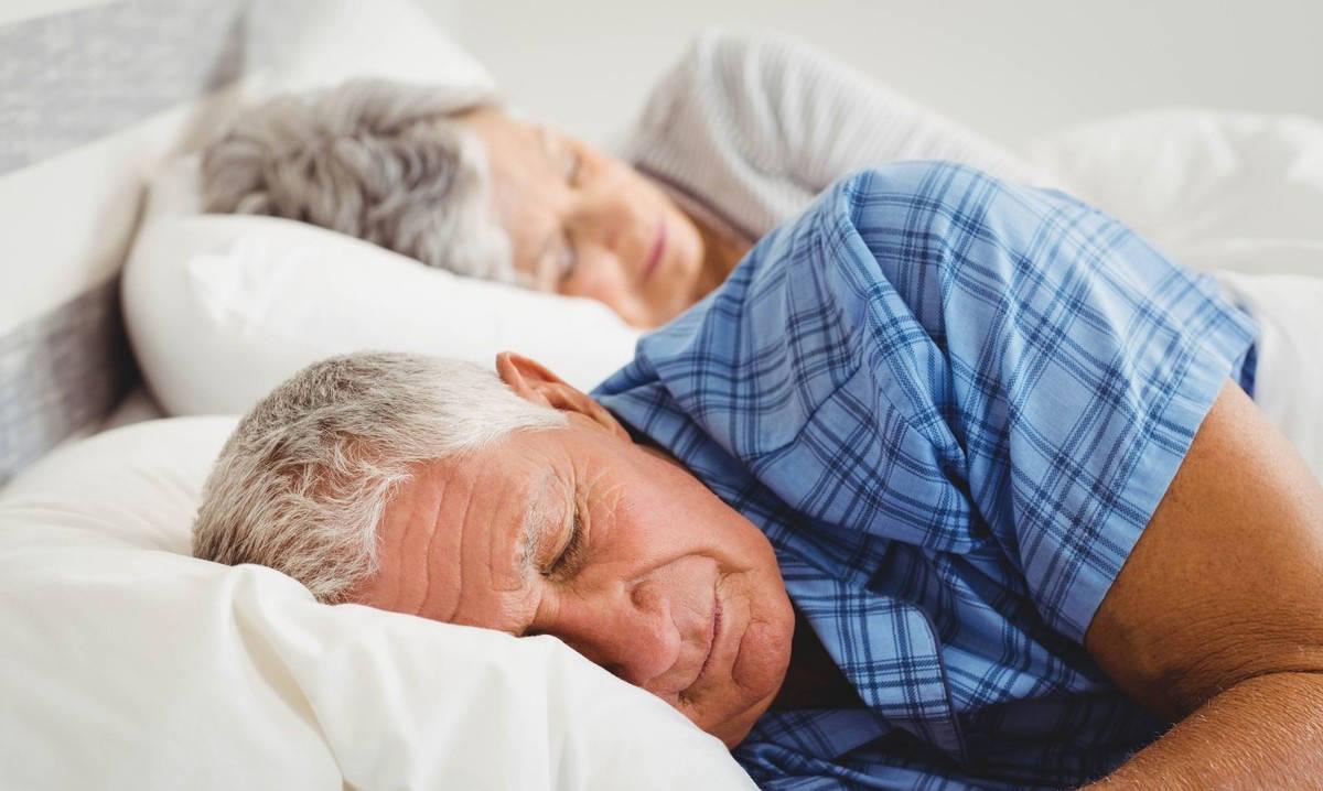 年龄大了容易失眠很正常?警惕失眠症对老年人的五大危害