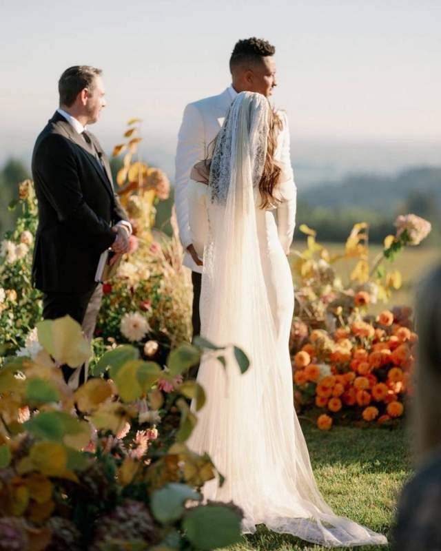 麦科勒姆晒婚礼现场组相片:感谢摄影师,化妆师等工作人员