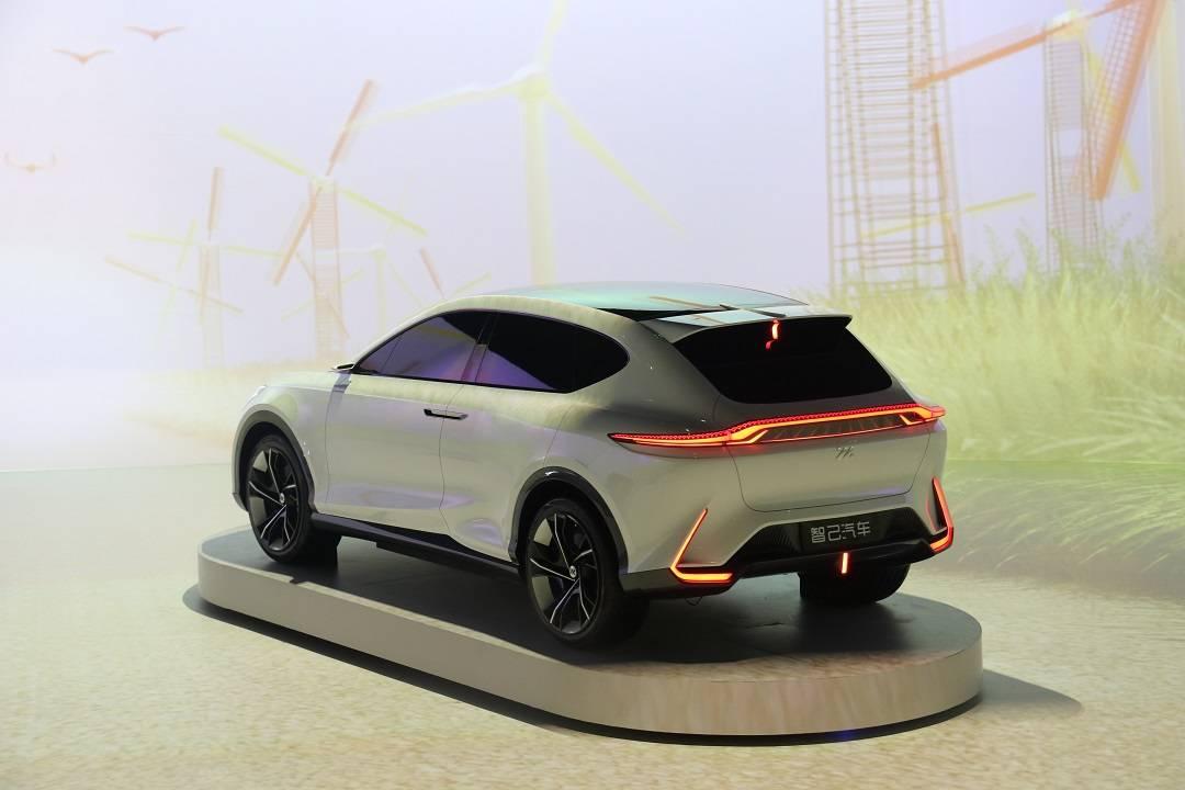 智己品牌首发 两款量产定型车同步亮相 纯电续航里程近1000km_新车
