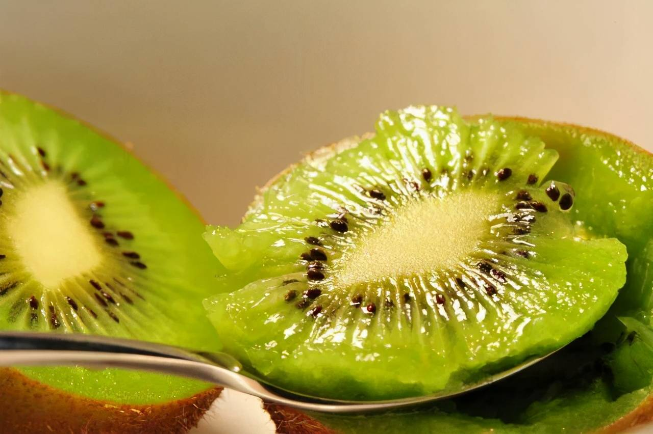 4大抗衰老效果明显的水果,建议爱美的人经常吃,帮你挽留青春