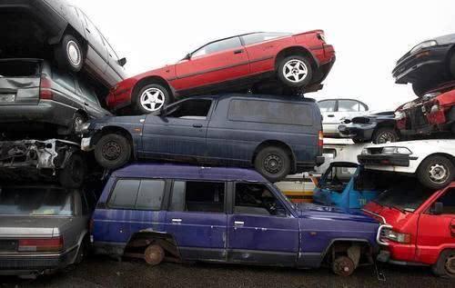"""当原厂私家车的""""报废""""期改变时,车主气愤地问:谁说能开60万公里?"""