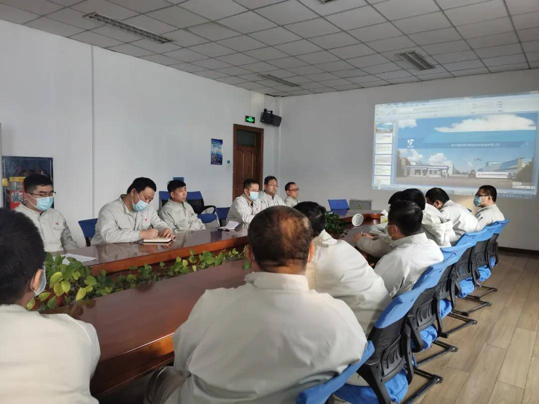 东安汽车销售服务团队的领导亲自带领团队开始了为期100天的新年