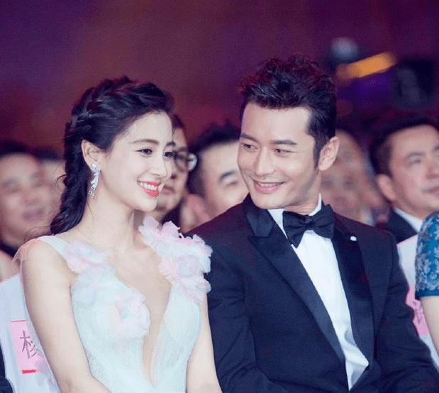 黄晓明退出《浪姐2》后,香港娱记朱皮称李菲儿也退出了:她斗不过杨颖的
