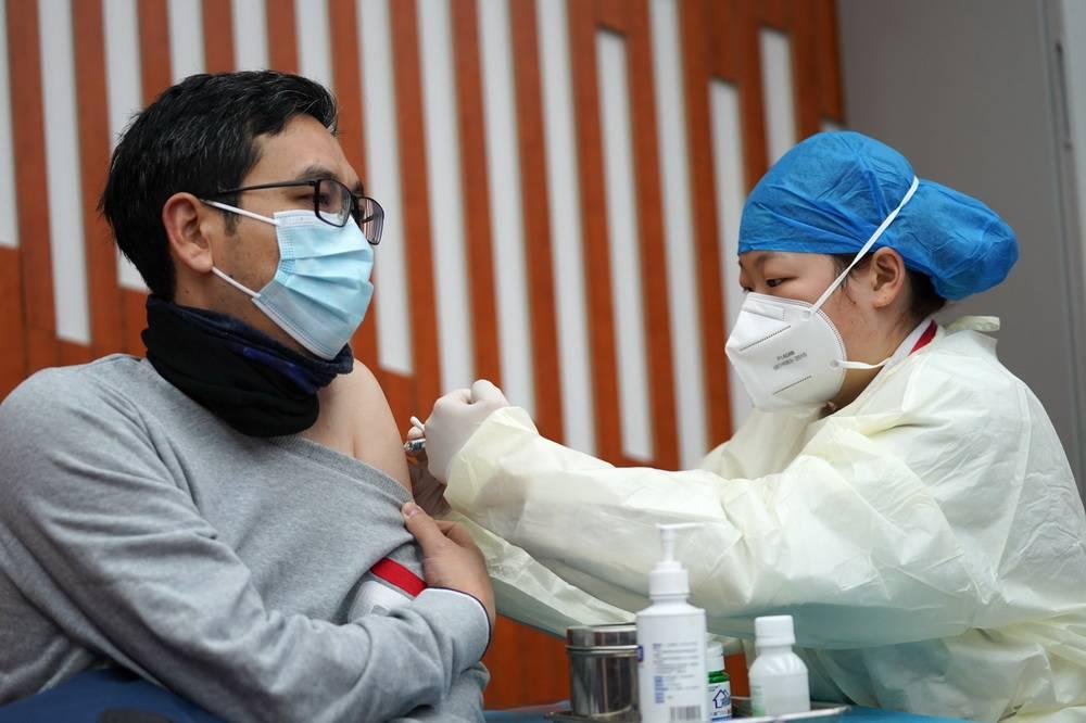 打新冠疫苗有什么副作用?怎么申请接种?你最关心的新冠疫苗答案来了