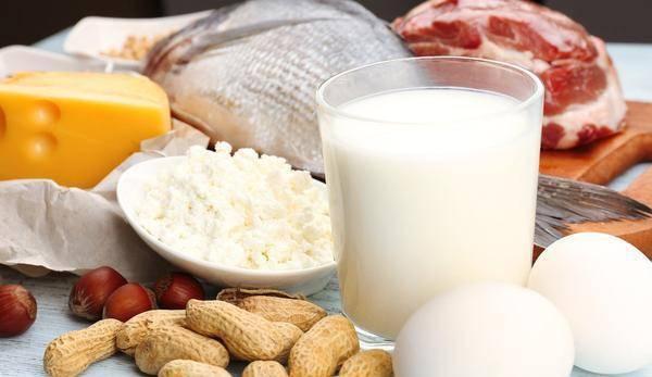 怀孕初期的孕妇容易恶心呕吐,孕妈妈吃什么食物比较好?