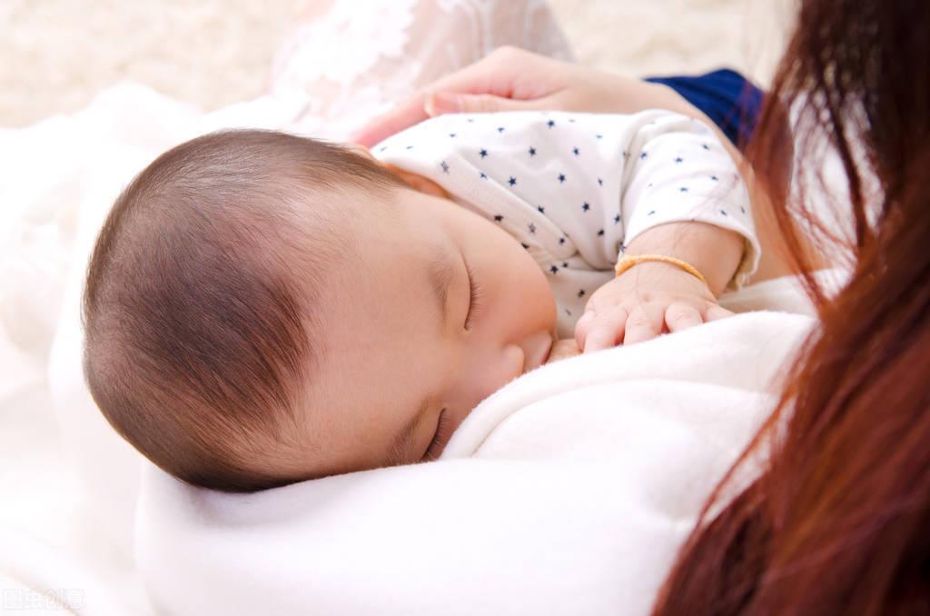 马可官宣得子,升级为新手父母,新生宝宝的喂养和护理是巨大挑战