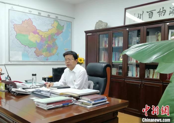 """全国政协委员张义光:提高农民工社会地位助力破解""""用工荒"""""""