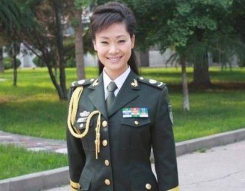 丑男从前是中国最美女歌手 34岁离婚享正师级待遇,最终为爱嫁给丑男
