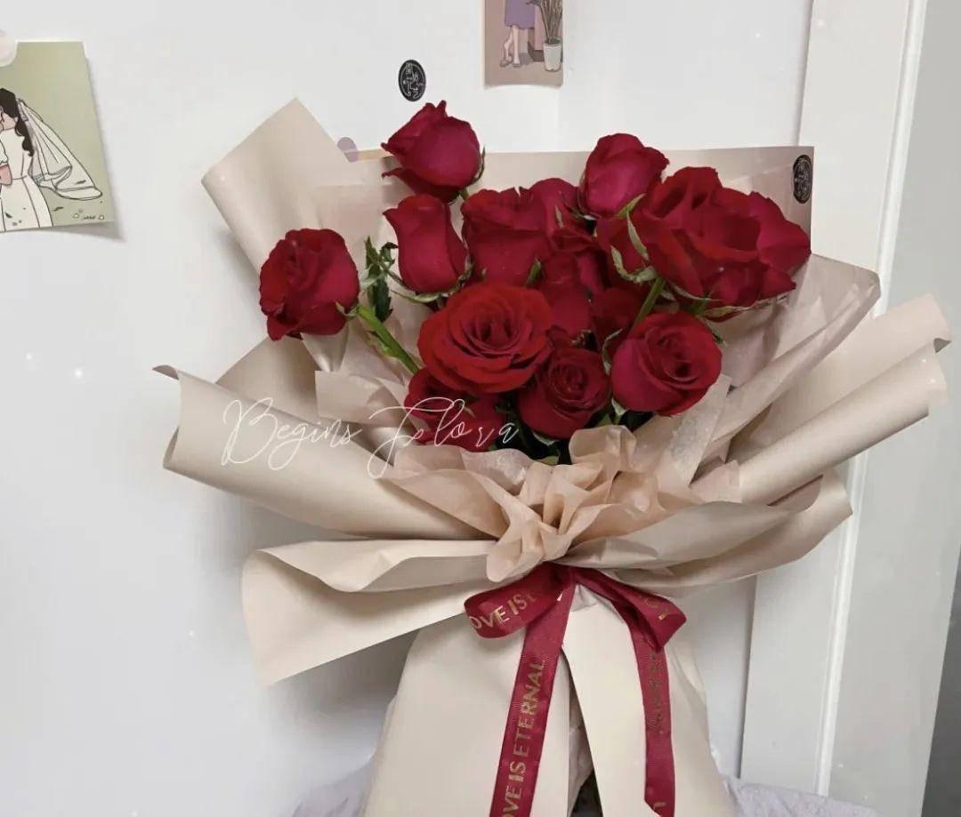 520限定福利 送给最爱的她 告白季玫瑰花束低至39.9元抢 精美包装,高调示爱,爱她就给她一个惊喜