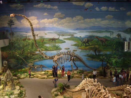 【西湖区·恐龙梦公园·1大1小门票】六一遛娃哪家强,来光怪陆离的恐龙世界吧!88元抢购【恐龙梦公园】1大1小门票+5项游乐项目!