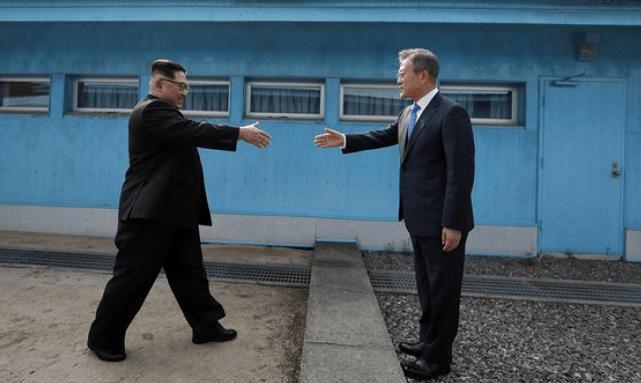 韩国总统文在寅:半岛关系不能停滞不前