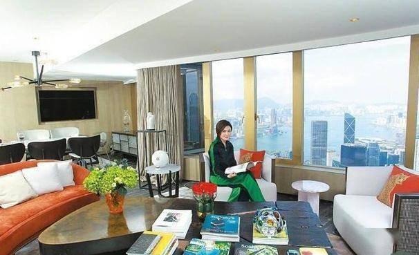 关之琳晒双彩虹照曝广角海景,坐拥多处豪宅成富婆,单身独自美丽