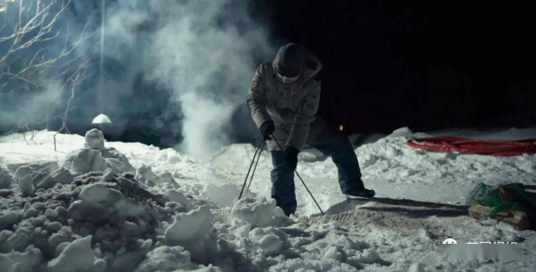 和家养棕熊吃播,零下10度雪地火锅,中国大叔俄罗斯刺激生活