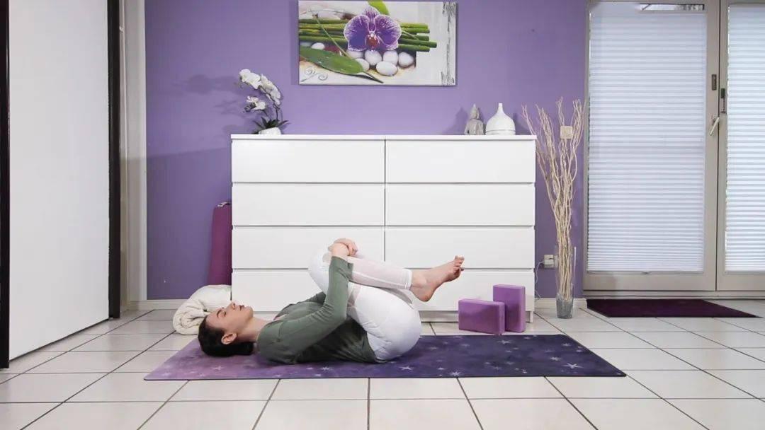 """""""筋长一寸寿延十年"""",10个拉伸瑜伽体式在家练,超舒服!_身体 高级健身 第14张"""