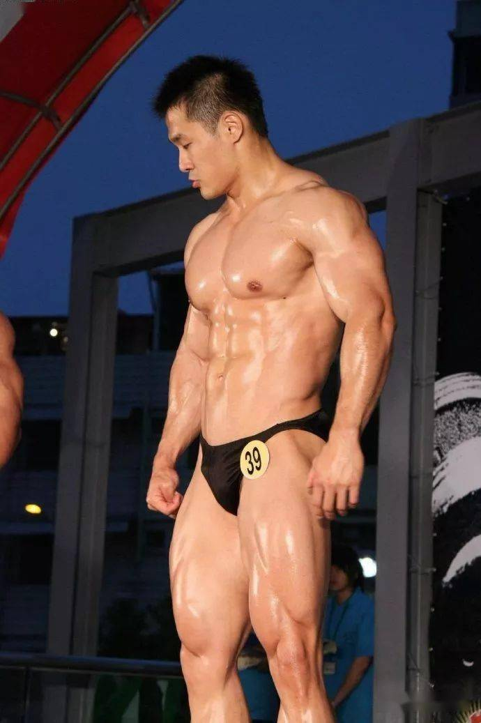 台湾最强壮法医,你们感受一下 锻炼方法 第1张