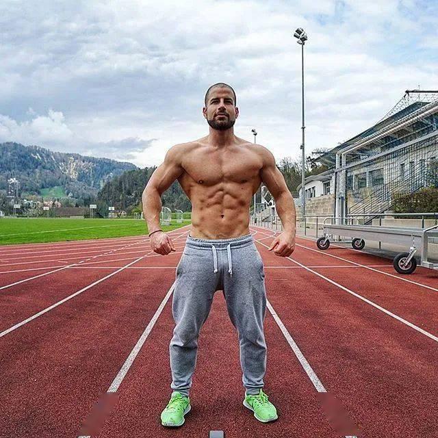 健身12年从未用过任何补剂,一样练出逆天惊人身材! 高级健身 第18张
