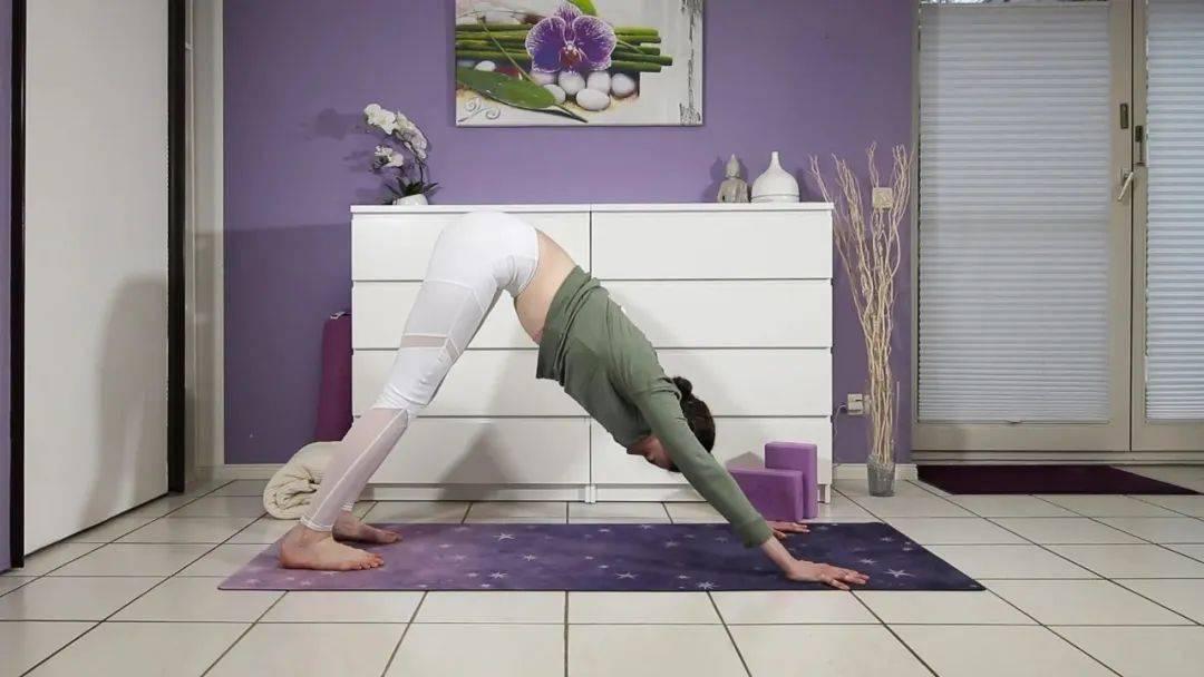 """""""筋长一寸寿延十年"""",10个拉伸瑜伽体式在家练,超舒服!_身体 高级健身 第8张"""