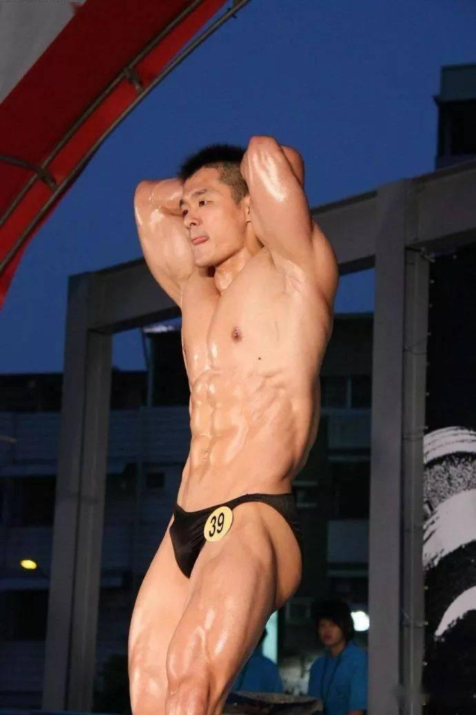 台湾最强壮法医,你们感受一下 锻炼方法 第3张