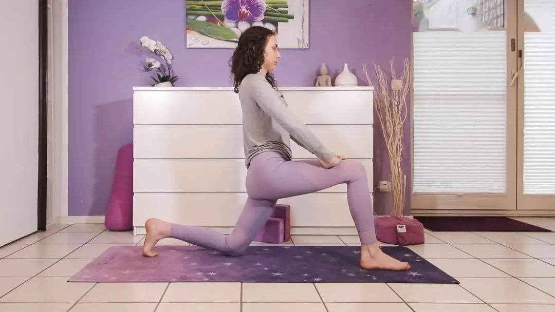 """""""筋长一寸寿延十年"""",10个拉伸瑜伽体式在家练,超舒服!_身体 高级健身 第9张"""