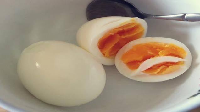 """鸡蛋竟要了2岁女孩的命!当心,鸡蛋这样吃分分钟变成""""毒药""""! 增肌食谱 第1张"""
