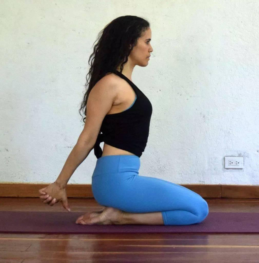 瑜伽开肩&加强肩部力量,2套动作帮你一次搞定!_双手 高级健身 第7张