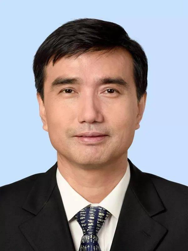 徐强任中国航天科技集团有限公司董事、总经理、党组副书记(图/简历)