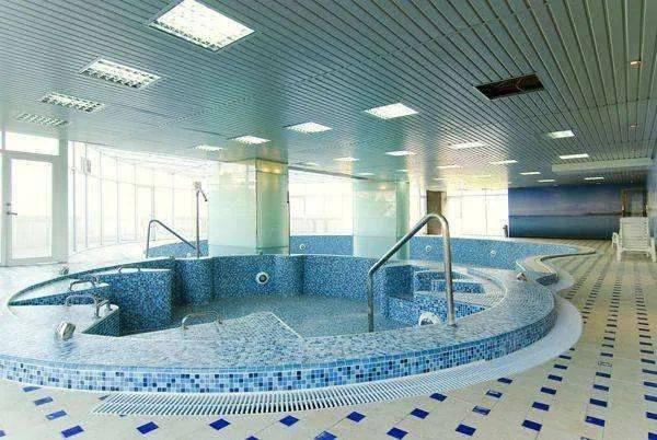 哈尔滨:浴池、网吧等可以复工了!泡澡池、桑拿、按摩、搓澡服务暂停!