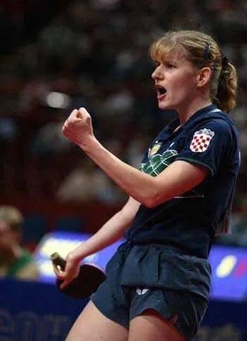 还记得那个高抛发球的鲍罗斯吗?东京奥运后她将担任德国女乒主教练_德国新闻_德国中文网