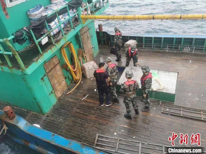 浙江台州海域:禁渔期内非法捕捞近50万余斤被查获