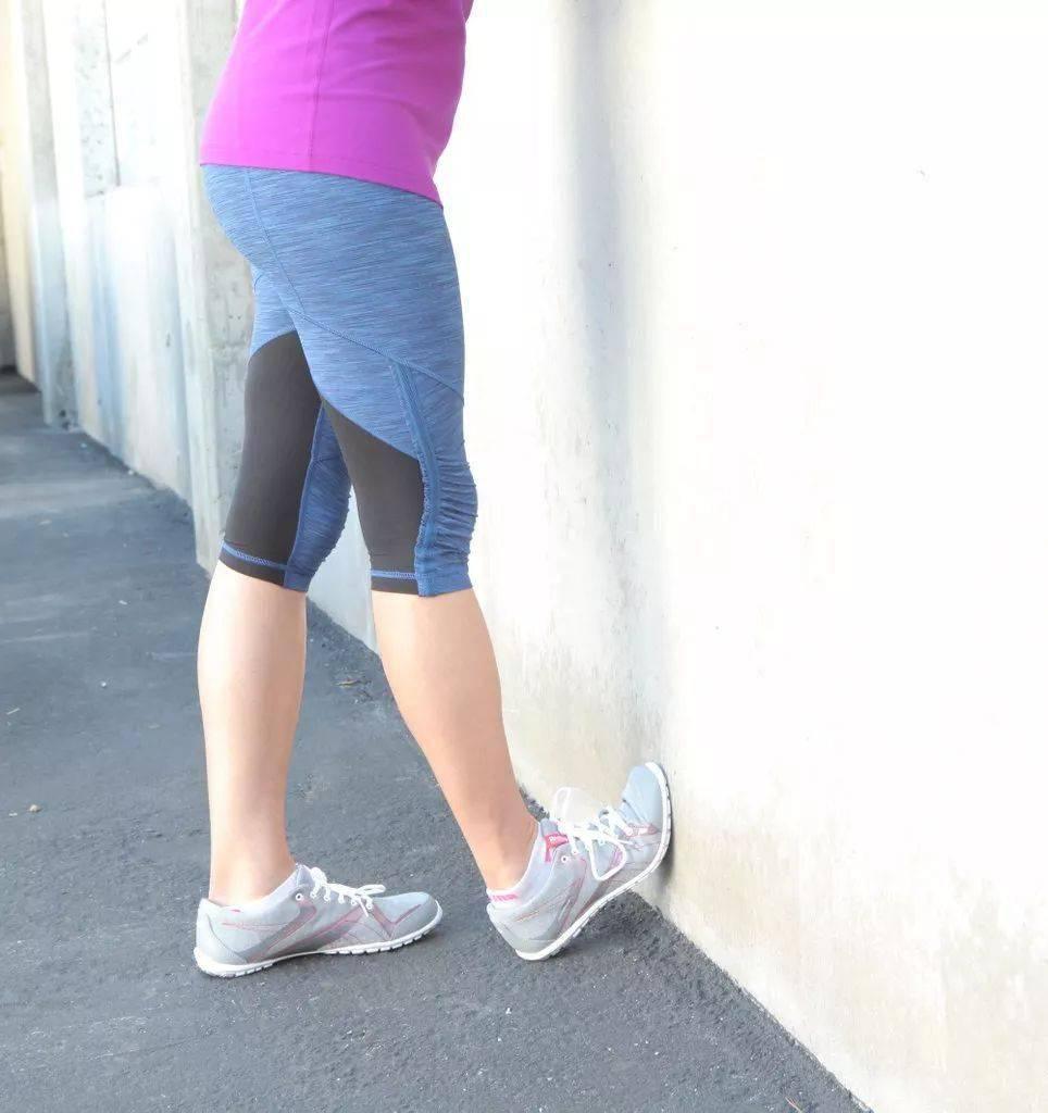 小腿僵硬&粗?这8个简单的瑜伽动作每天做!