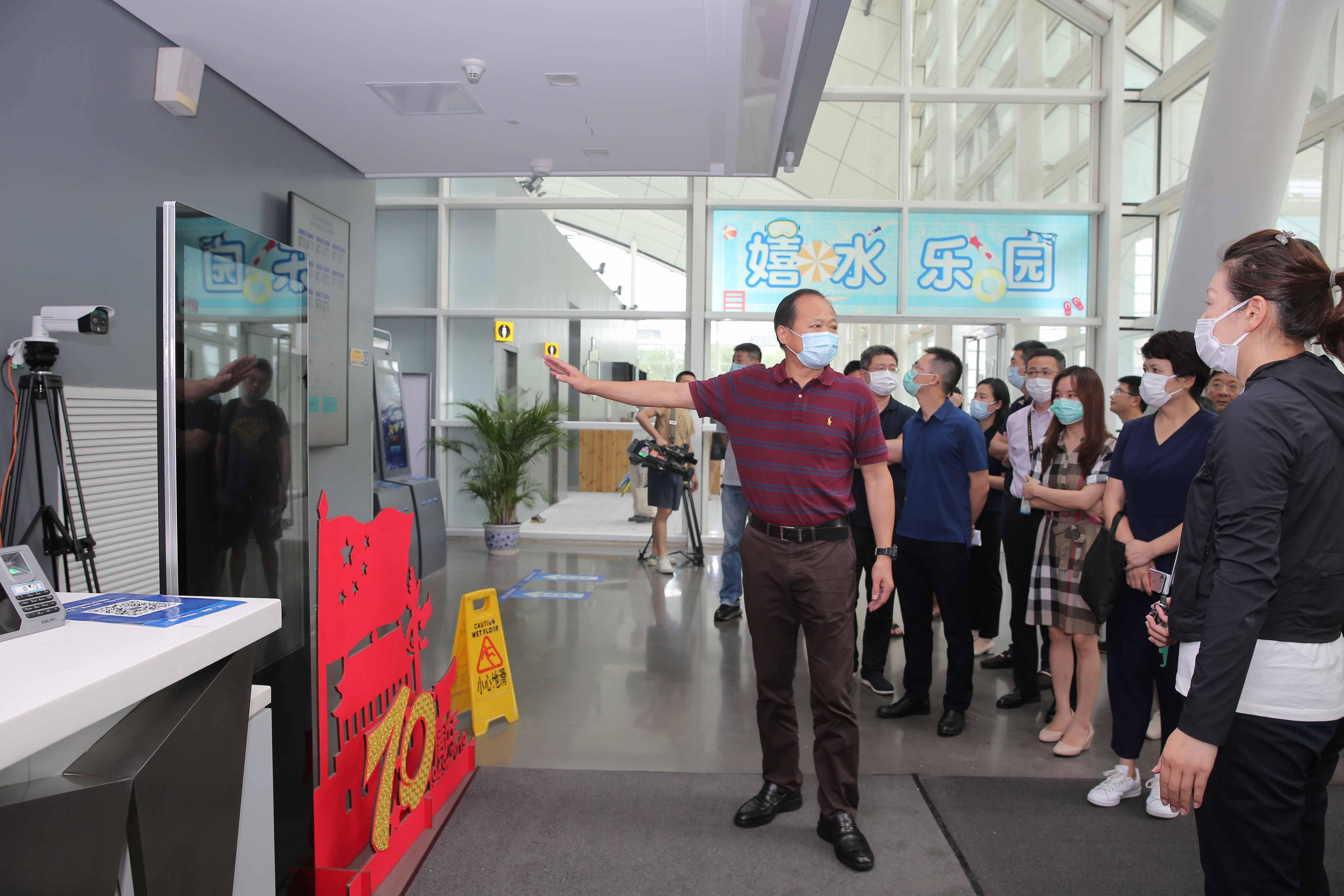 691家游泳场所开放,上海体育开展游泳安全检查工作