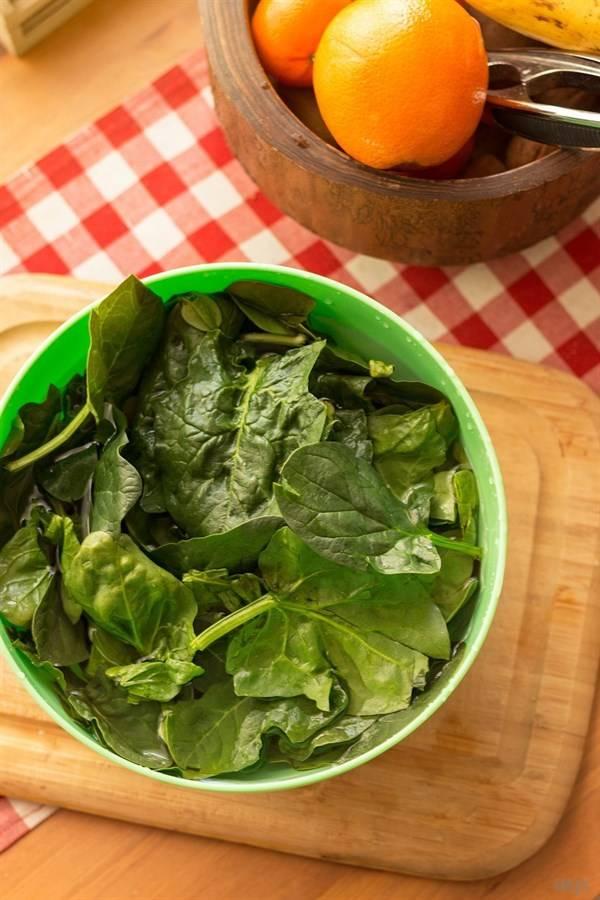 【菠菜炒鸡蛋】菜味清淡,菠菜又有很高的营养价值。