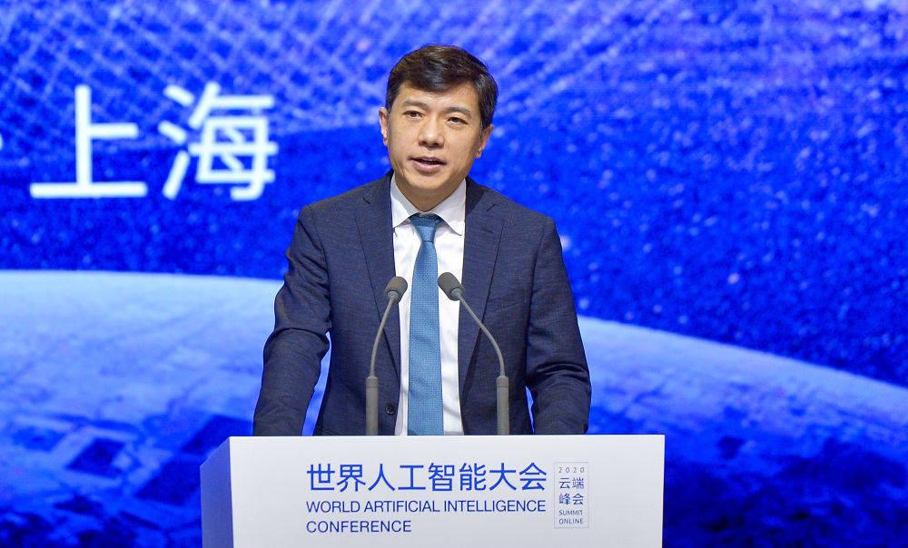 李彦宏:新基建加速智能经济和智能社会的到来