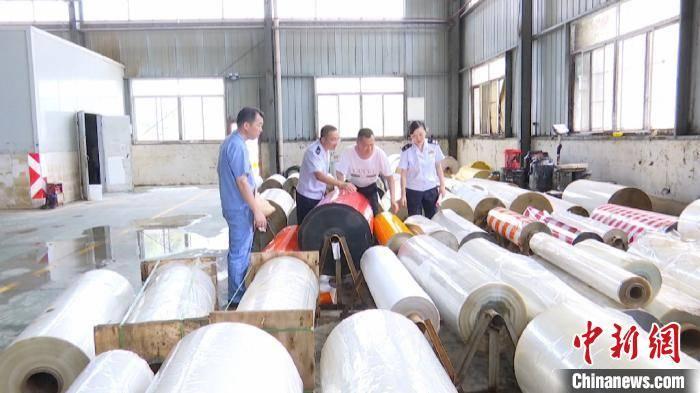 企业 安徽歙县:灾后重建 多方支援助受灾企业渡难关